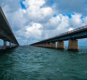 overseas-highway-in-the-florida-keys-1625228